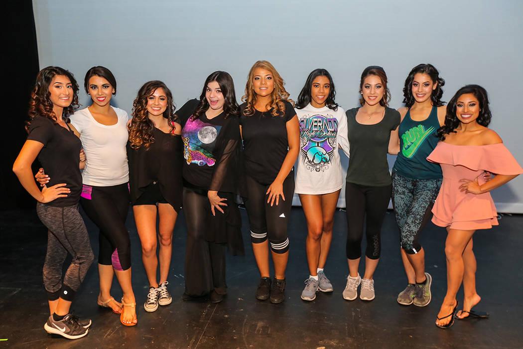 Las participantes del certamen Miss El Tiempo 2018, posan para una foto previo al evento, el sábado 7 de octubre, 2017, en el Lowden Theater en Las Vegas.  | Foto Thomas Tran photography / Especi ...
