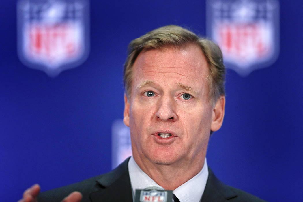 El comisionado de la NFL, Roger Goodell, habla durante una conferencia de prensa, el miércoles 18 de octubre de 2017, en Nueva York. | Foto AP/ Julie Jacobson