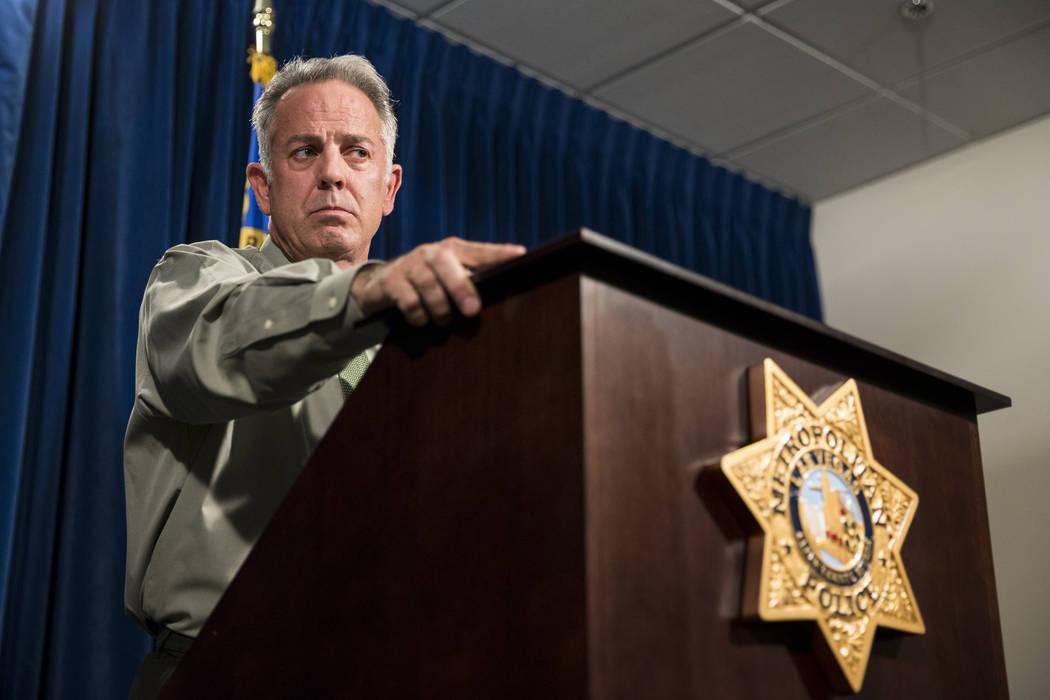 El comisario del condado de Clark, Joe Lombardo, habla sobre el tiroteo masivo de Festival Ruta 91 en la sede del Departamento de Policía Metropolitana en Las Vegas, el lunes 9 de octubre de 2017 ...