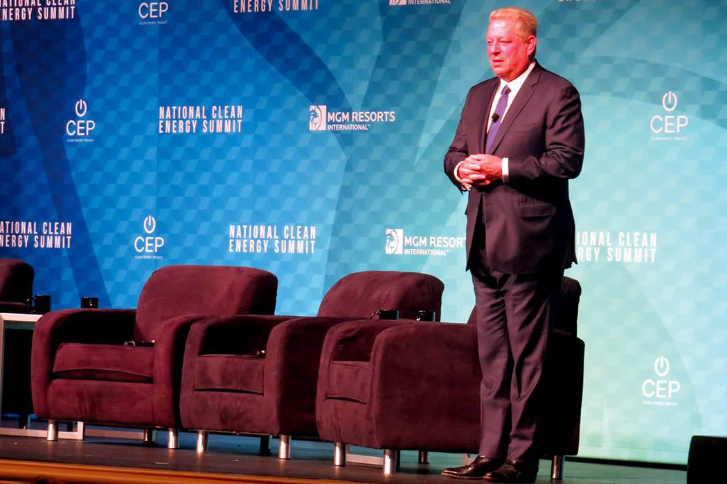 ER 5 Y 6: Exvicepresidente Al Gore aseveró que la decisión del presidente Trump de retirar a Estados Unidos del acuerdo climático de París fue un acto sin sustento. Viernes 13 de octubre en el ...