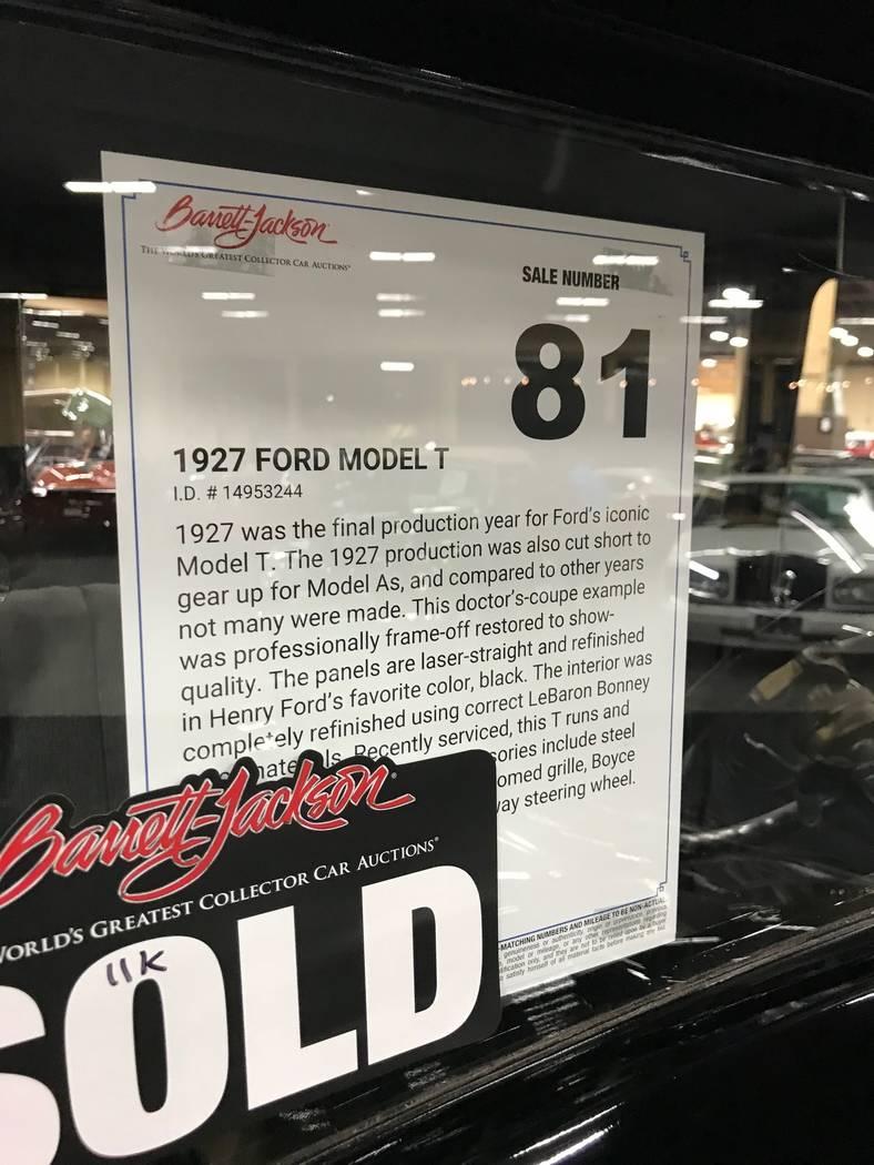 Un letrero de descripción en la ventana de un automóvil modelo T en la subasta de automóviles Barrett Jackson en Las Vegas el jueves 19 de octubre de 2017. (Todd Prince / Las Vegas Review-Journal)