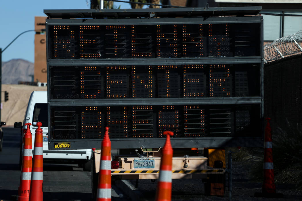 Un letrero se coloca afuera del Centro de Resiliencia Vegas Strong ubicado en el Centro de Atención Ambulatoria Lied de UMC en Las Vegas, el lunes, 23 de octubre de 2017. Joel Angel Juarez Las Ve ...