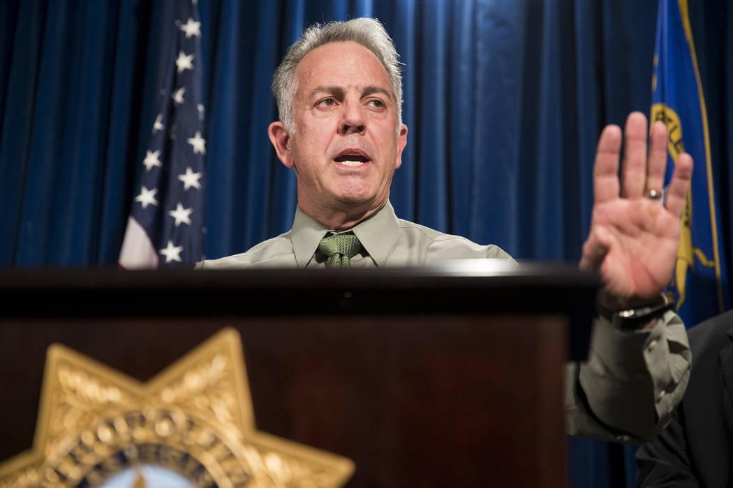 El comisario del condado de Clark, Joe Lombardo, discute el tiroteo masivo del Festival de la Rutea91 en la sede del Departamento de Policía Metropolitana en Las Vegas, el lunes 9 de octubre de 2 ...