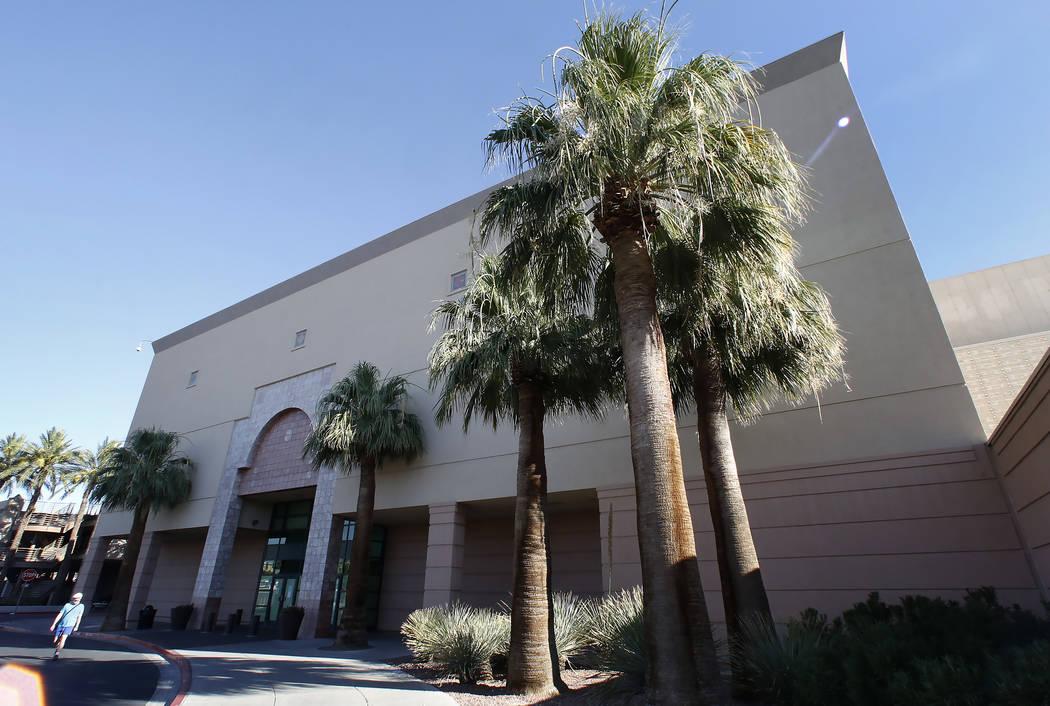 El edificio vacante de Macy's en Boulevard Mall en 3634 S. Maryland Parkway en Las Vegas el miércoles 28 de junio de 2017. (Bizuayehu Tesfaye / Las Vegas Review-Journal) @bizutesfaye