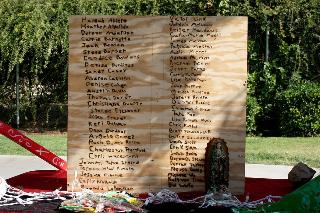 Ganadora de mejor tema en el Winchester, dedicada a las víctimas del tiroteo en LV, altar de Sigma Omega Un. | Foto Valdemar González / El Tiempo.