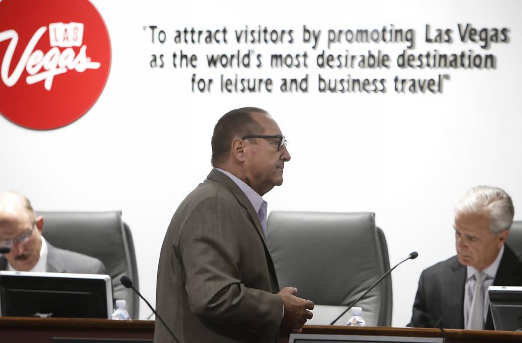 El presidente de la Autoridad de Convenciones y Visitantes de Las Vegas, Rossi Ralenkotter, durante una reunión mensual de la junta el martes 11 de julio de 2017. Bizuayehu Tesfaye Las Vegas Revi ...