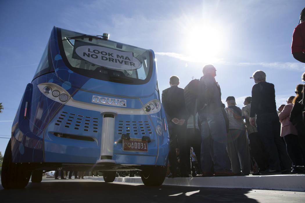 Un autobús eléctrico sin conductor durante el evento de lanzamiento en el Container Park en Las Vegas, miércoles, 8 de noviembre de 2017. Erik Verduzco Las Vegas Review-Journal @Erik_Verduzco