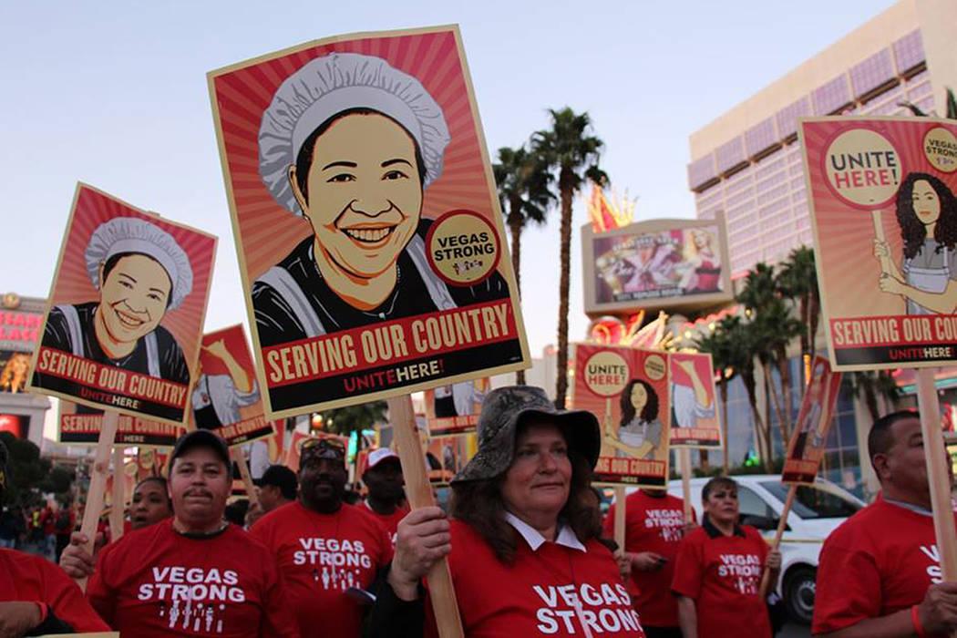 Los participantes fueron en su mayoría trabajadores de hoteles y casinos. Jueves 9 de noviembre en Las Vegas Boulevard. | Foto Cortesía Culinary Workers Union Local 226.