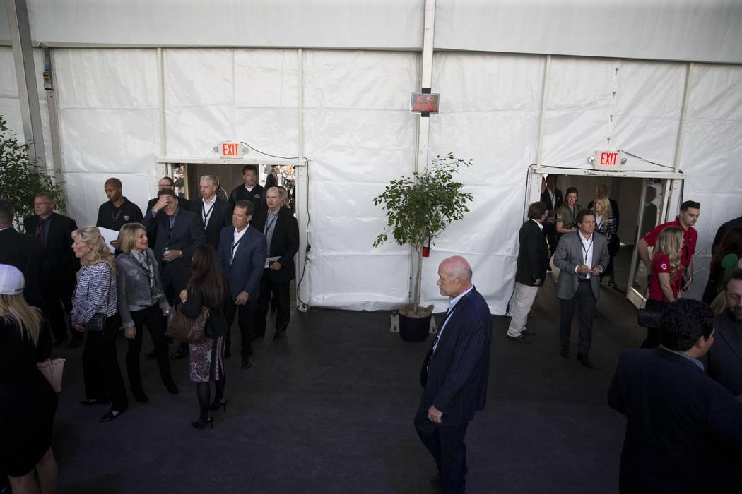 Asistentes durante el evento de inauguración de los Raiders en Las Vegas, lunes, 13 de noviembre de 2017. Erik Verduzco Las Vegas Review-Journal @Erik_Verduzco