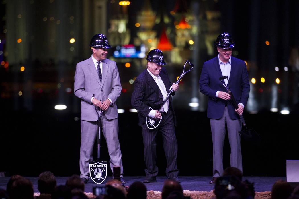 Los Raiders dan inicio a trabajo en el estadio de Las ...