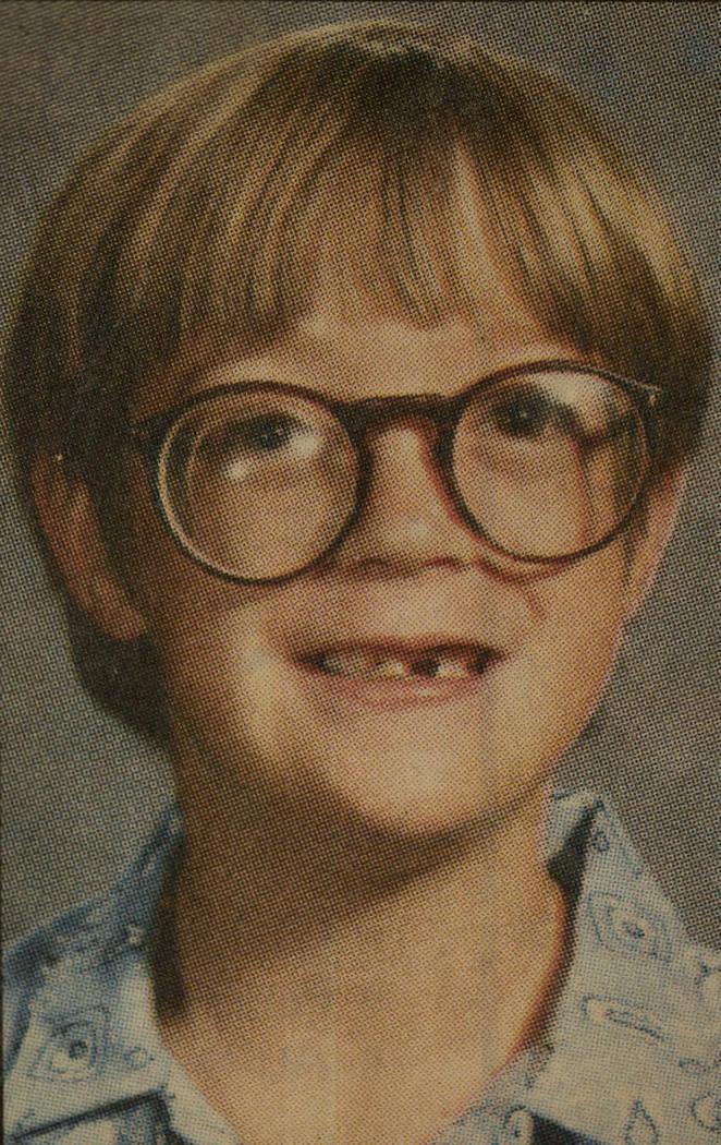 Esta foto de Alexander Harris fue entregada a los medios de comunicación el 1° de diciembre de 1987. La fotografía fue tomada menos de dos semanas antes y se parece más a Alexander que otras i ...