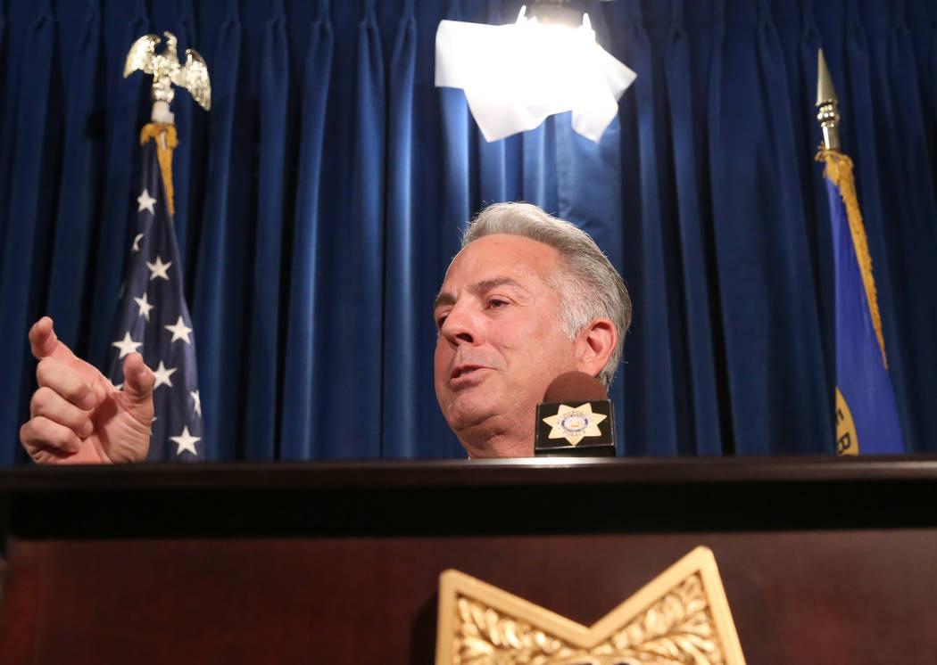 El sheriff Joe Lombardo habla durante una conferencia de prensa en la sede del Departamento de Policía Metropolitana, en el 400 de S. Martin Luther King Blvd. La policía de Las Vegas se unió a  ...