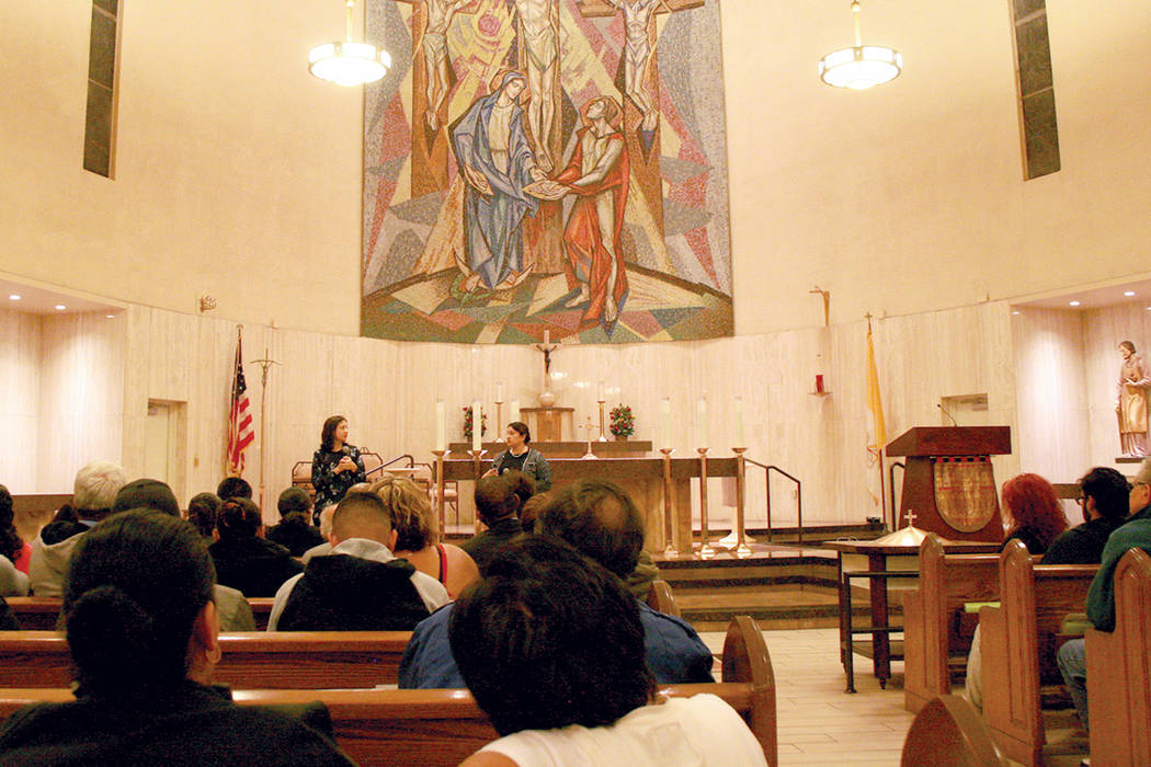 La parroquia Santa Ana albergó un foro sobre el TPS, el 28 de noviembre del 2017. | Foto Valdemar González / El Tiempo.