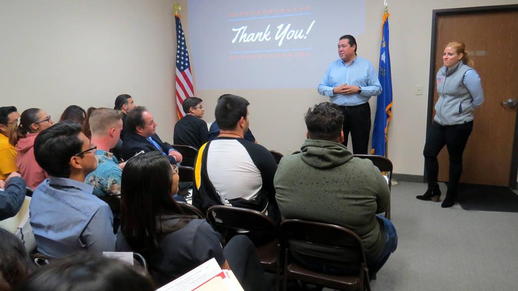 Miembros del Partido Republicano a nivel nacional y local realizaron una sesión informativo con la comunidad hispana de Las Vegas. 29 de noviembre en MG Strategies. Foto Anthony Avellaneda / El T ...