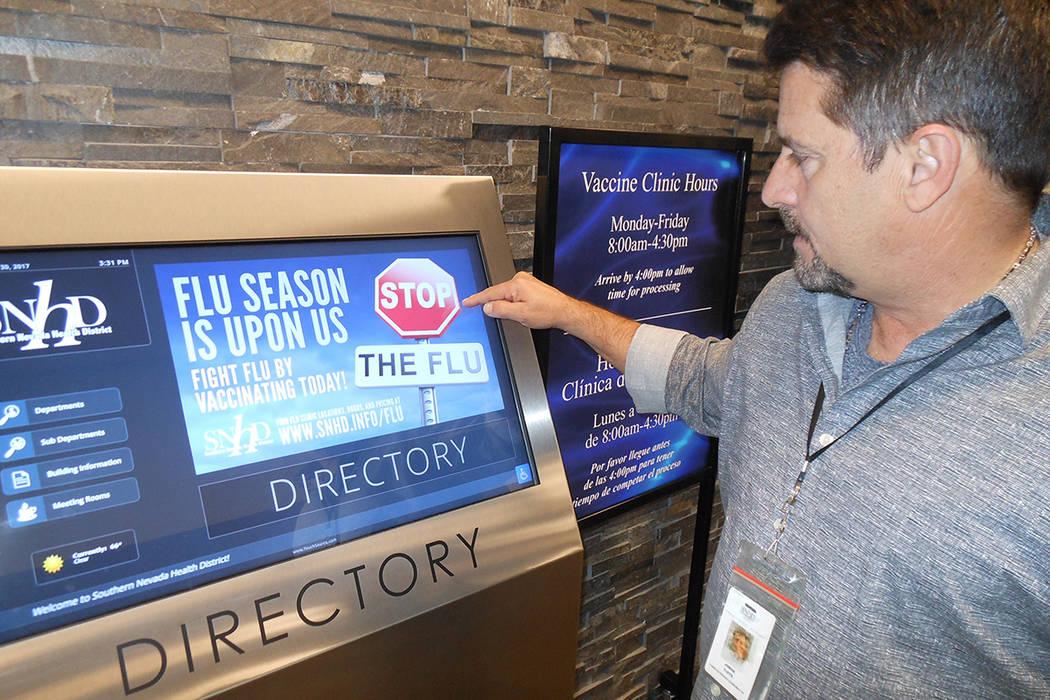 Jorge Viote, vocero de SNHD muestra la campaña contra la gripe, el 30 de noviembre del 2017. | Foto Valdemar González / El Tiempo.