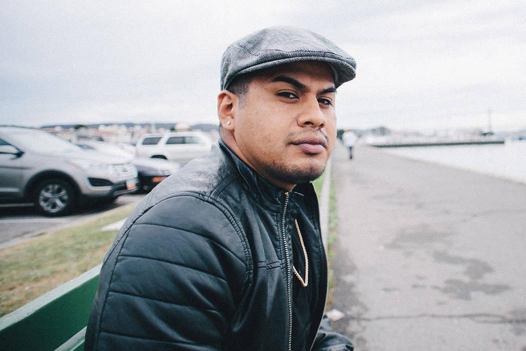 Reyes hace presentaciones en universidades para difundir lo positivo de la vida de un indocumentado en Estados Unidos. Fotos tomadas el 27 de noviembre, 2017, en el Centro de Justicia Social Socia ...