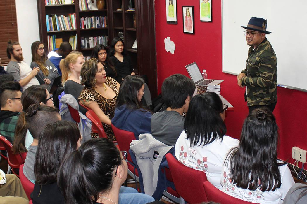Yosimar Reyes se considera indocumentado ya que al vencer su DACA regresará a su estatus anterior. Fotos tomadas el 27 de noviembre, 2017, en el Centro de Justicia Social Social UNLV.  | Foto Cri ...