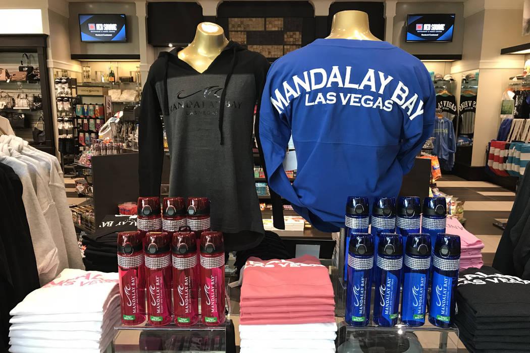 Ropa de Mandalay Bay a la venta en Mandalay Bay en Las Vegas, martes, 28 de noviembre de 2017. Bridget Bennett Las Vegas Review-Journal