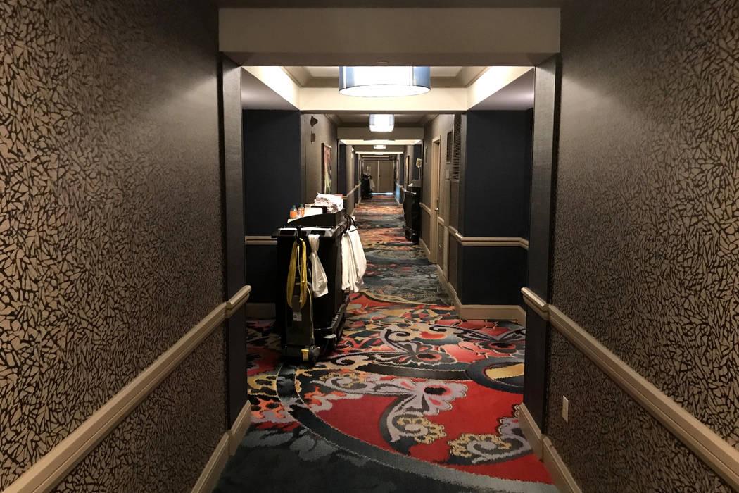 Los pasillos del hotel son tranquilos durante una tarde en el Mandalay Bay en Las Vegas, martes 28 de noviembre de 2017. Bridget Bennett Las Vegas Review-Journal