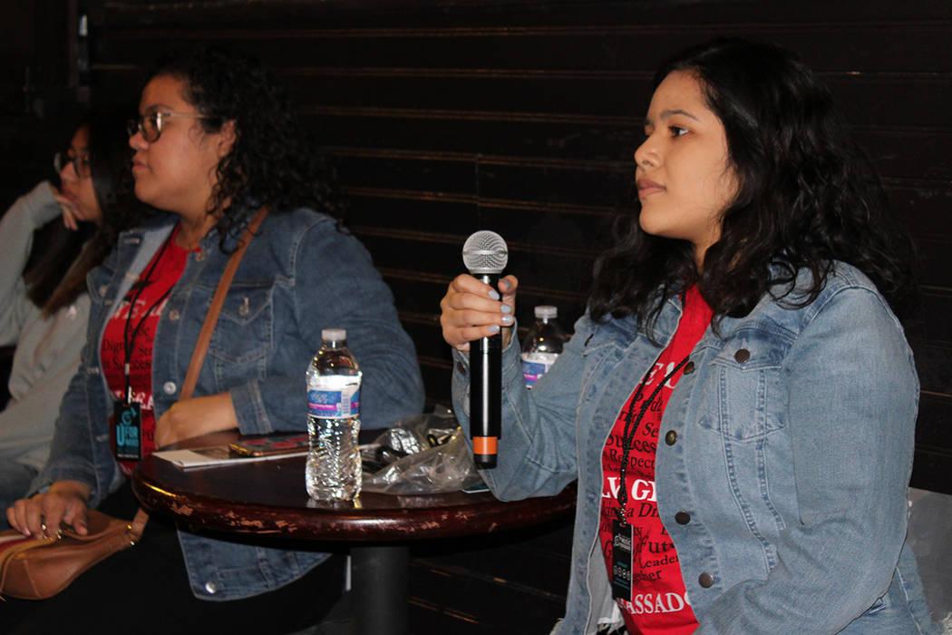 56 jóvenes asistieron al recorrido del HOB para hablar con sus trabajadores sobre como es trabajar ahí, el domingo, 12 de diciembre del 2017.   Foto Cristian De la Rosa / El Tiempo.