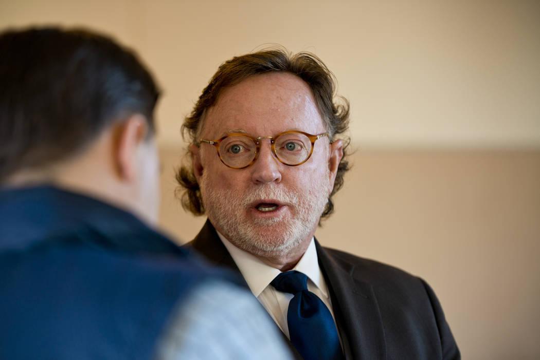Robert L. Langford, el abogado de Christine Rose Sánchez, habla con los medios de comunicación en el Centro de Justicia Regional en Las Vegas el miércoles, 27 de diciembre de 2017. Sánchez es  ...