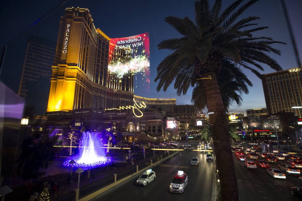 Una vista del Palazzo desde un puente peatonal que conecta el Fashion Show Mall con el Wynn Las Vegas en The Strip el martes 26 de diciembre de 2017. Richard Brian Las Vegas Review-Journal @vegasp ...
