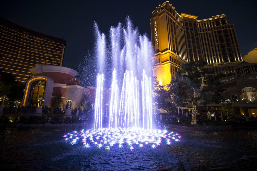 El martes 26 de diciembre de 2017 se exhibe una fuente de agua en el Wynn Las Vegas en The Strip. Richard Brian Las Vegas Review-Journal @vegasphotograph