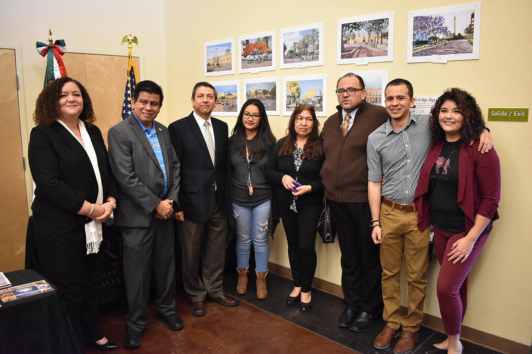 Colaboradores e invitados de la Ventanilla de Orientación Eucativa durante el evento de apertura. 20 de enero de 2018 en Consulado de México en Las Vegas. Foto Anthony Avellaneda / El Tiempo.