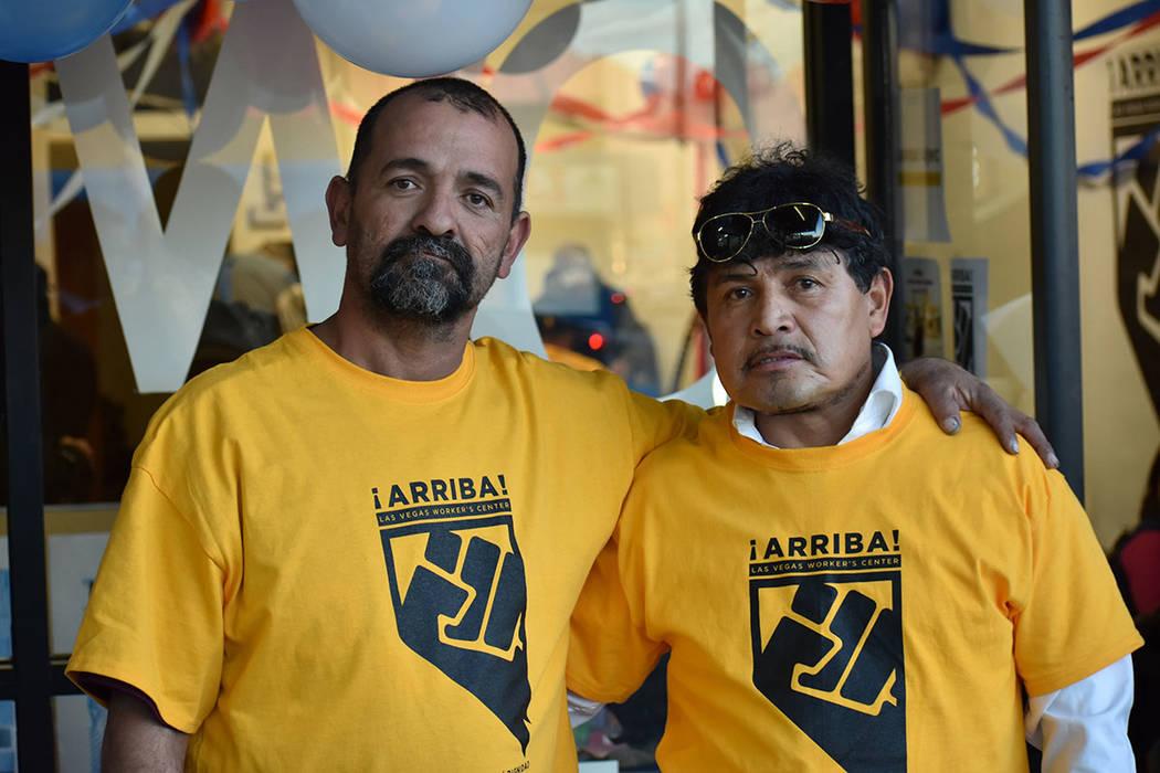 Juan Carlos Rodríguez y Edy Soto compartieron con El Tiempo su experiencia como jornaleros. 26 de enero del 2018 en la oficina de '¡Arriba!'. Foto Anthony Avellaneda / El Tiempo.