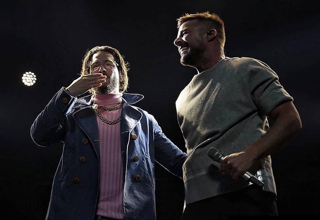 Ricky Martín y Maluma interpetaron 'Vente pa'ca'. 26 de enero de 2018 en T-Mobile Arena. Foto Cortesía Calibash / Maluma.