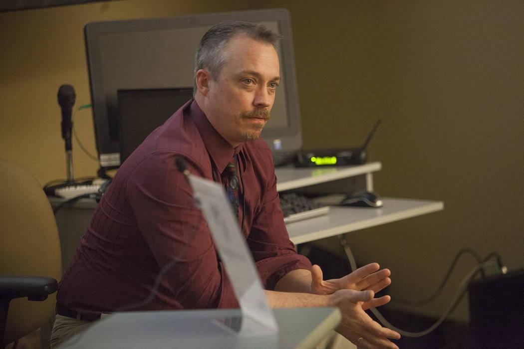 Jack Sjosdrom, gerente sénior de proyectos en CA Group Inc, habla en el Centro de Servicios de Desarrollo del Condado de Clark en Las Vegas, el martes 30 de enero de 2018. El Departamento de Tran ...