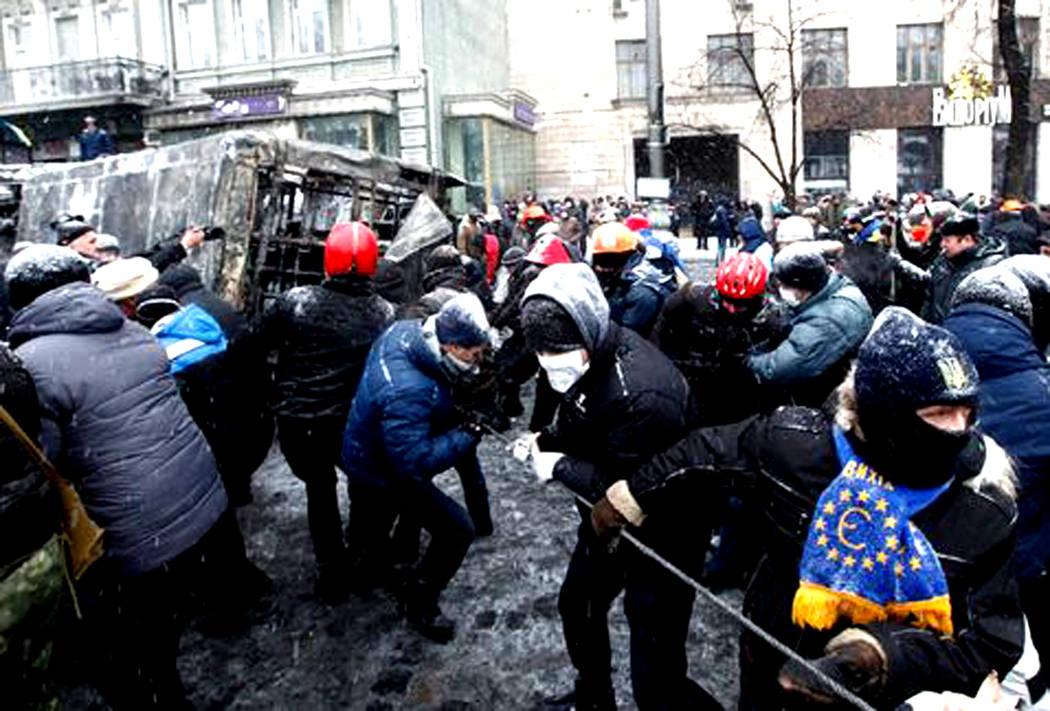 Manifestantes son parte de un problema violento en Ucrania. Foto Cortesía.