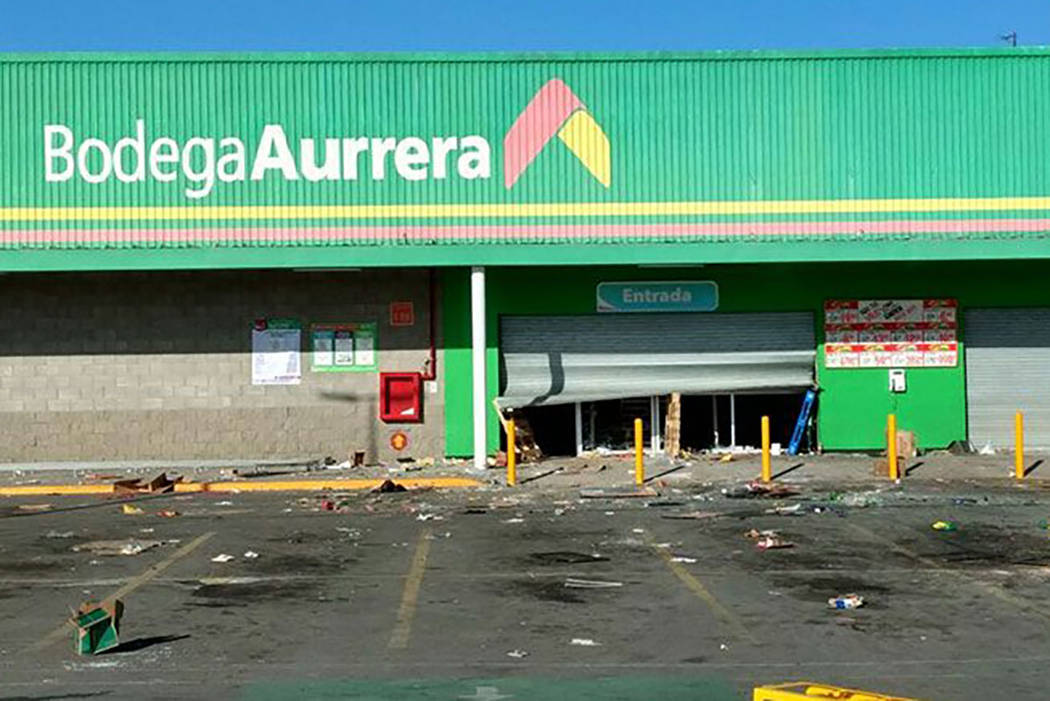 En otros puntos del estado, el más poblado del país, se produjeron robos en supermercados, establecimientos minoristas y tiendas de convivencias.