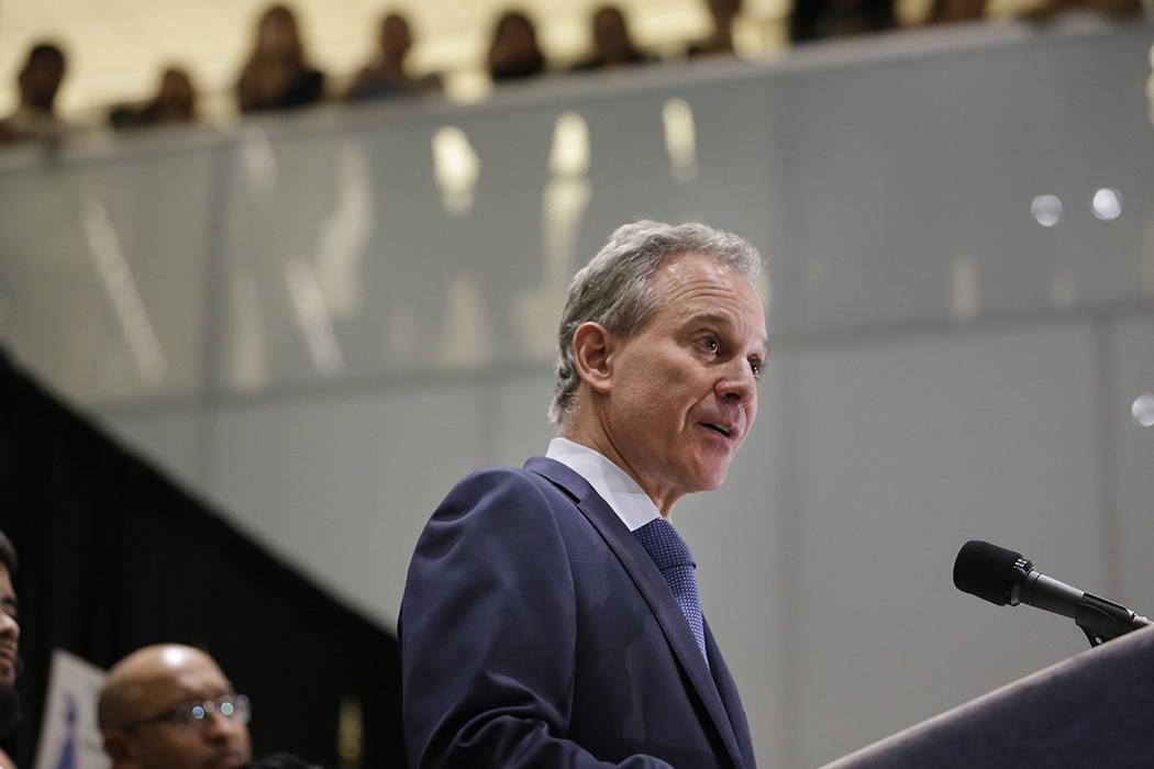 El fiscal general del estado de Nueva York, Eric Schneiderman.   Foto AP /Seth Wenig.