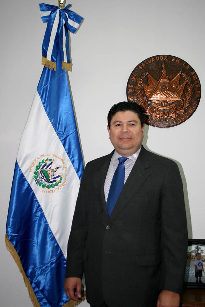 Tirso Sermeño, Cónsul general de El Salvador en Las Vegas.   Foto Archivo/Valdemar González.