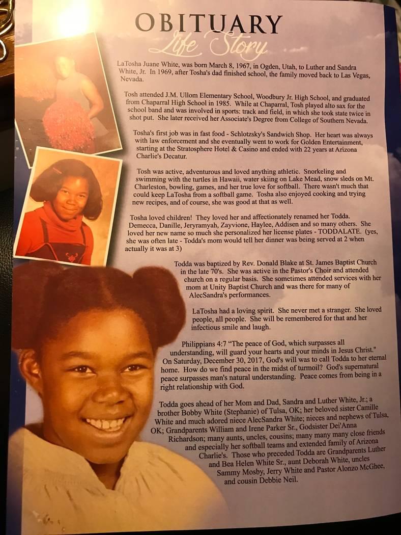 A Una imagen del programa en el funeral de LaTosha White. Foto cortesía de Michelle Huskins.