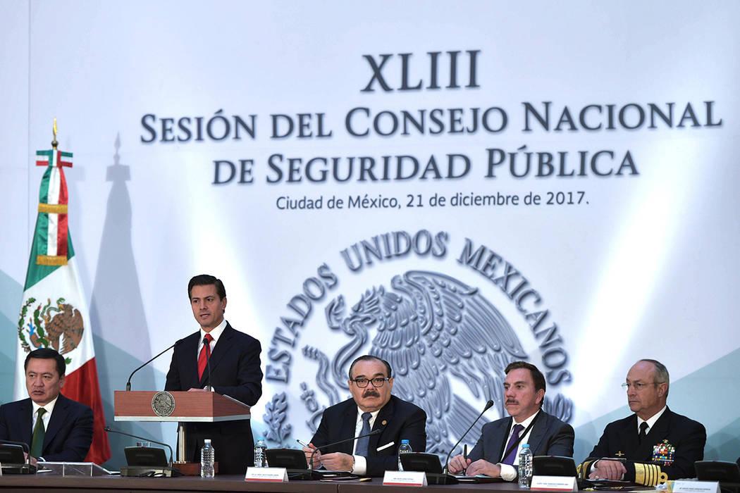 Al anunciar la promulgación de la Ley de Seguridad Interior, el Presidente Enrique Peña Nieto puntualizó que será el máximo Tribunal el árbitro legitimado constitucionalmente para tomar una  ...