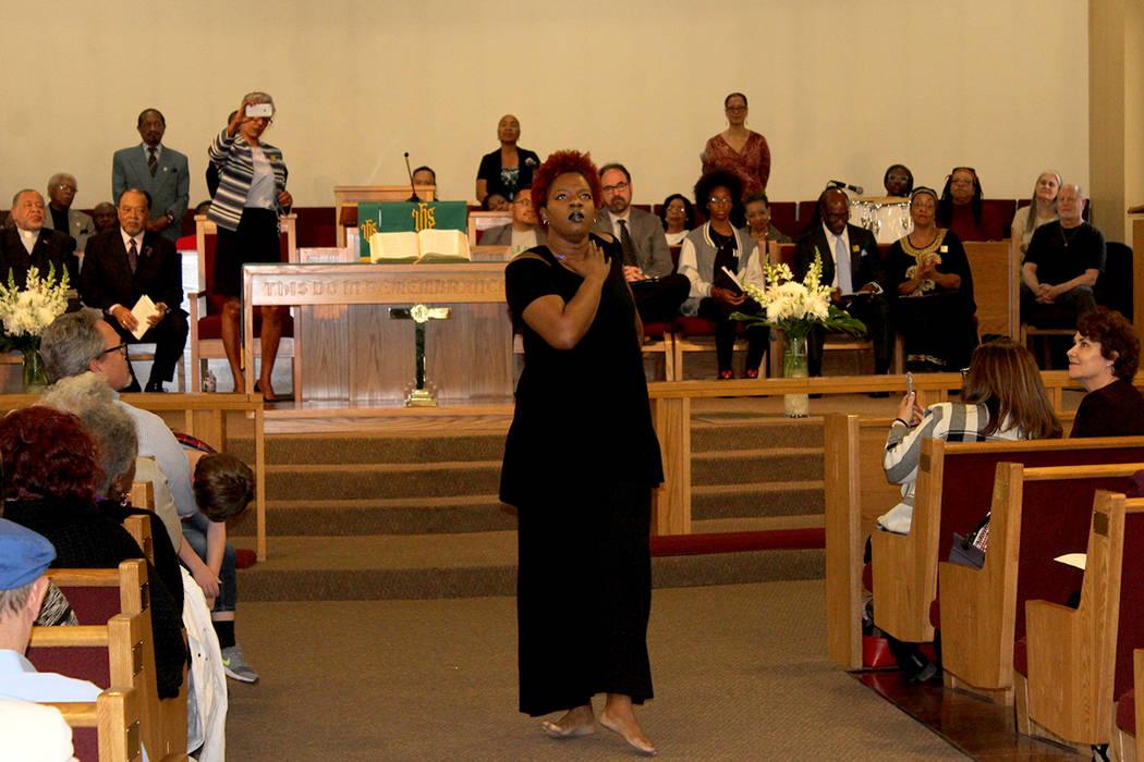 Se dejo a un lado la misa tradicional, para ser un evento que incluyó poemas y presentaciones musicales. 14 de enero de 2018 en Primera Iglesia Episcopal Africana. Foto El Tiempo.