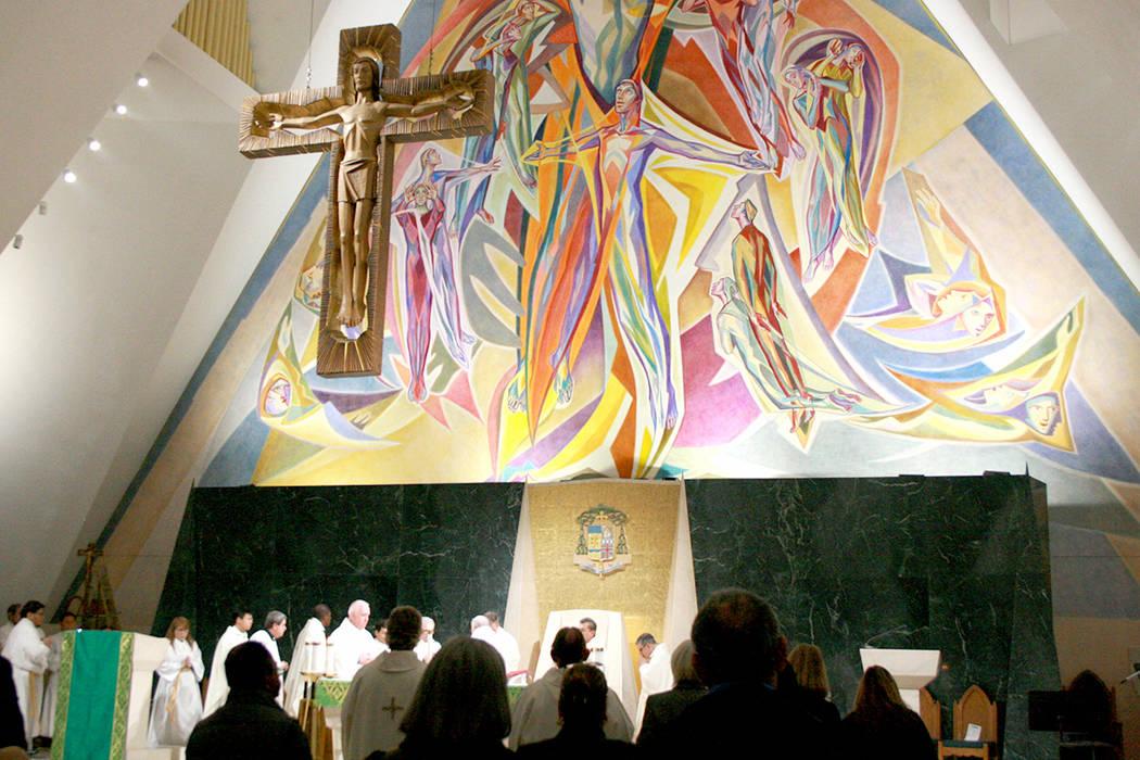 La Catedral del Ángel Guardián ofreció una misa especial, encabezada por el Obispo Joseph Pepe, dedicada a los migrantes y refugiados, el 9 de enero del 2018. | Foto Valdemar González / El Tiempo.