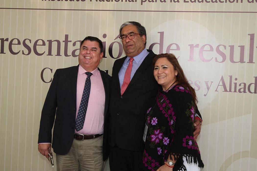 ARCHIVO.- El director general del INEA, Mauricio López Velázquez, aseguró que el presidente Enrique Peña Nieto entregará al terminar su administración en 2018 niveles de alfabetización que  ...