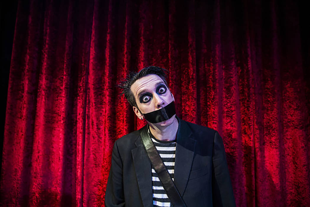 Sam Wills, conocido como Tape Face, participante del programa America's Got Talent, tendrá residencia en el hotel-casino Flamingo. Foto tomada el 24 de febrero del 2017 en Las Vegas. [Foto Benjam ...