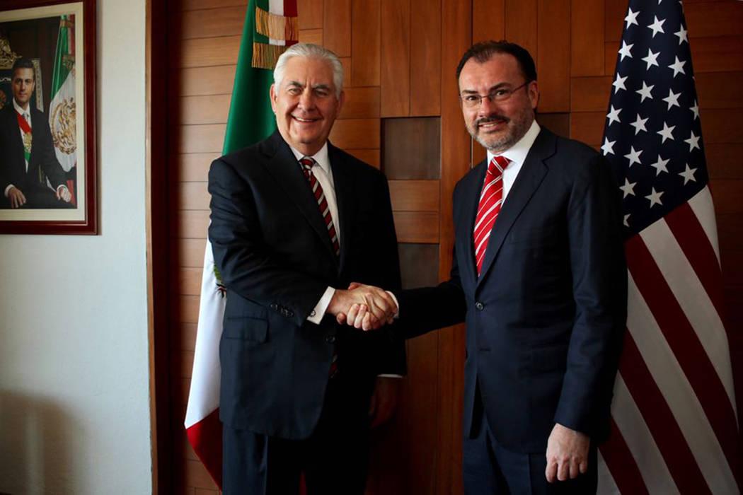 En el marco de su visita a la Ciudad de México, el secretario de Estado de Estados Unidos, Rex Tillerson, sostuvo una reunión de trabajo con el canciller mexicano Luis Videgaray. México, 2 Feb. ...