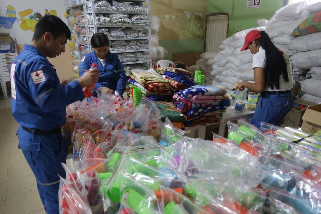 Colombia abrió el primer Centro de Atención Transitoria para migrantes venezolanos en la fronteriza municipalidad de Villa Rosario, ante la masiva migración de ciudadanos del vecino país que b ...