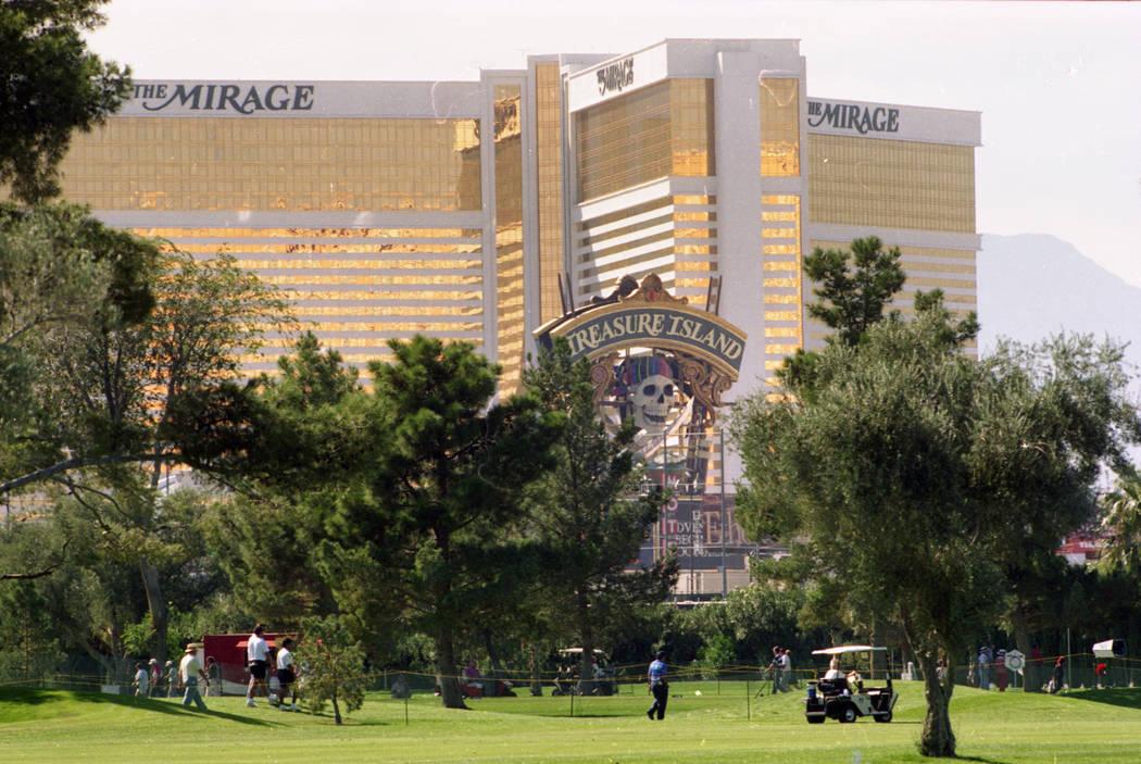 Las camareras de coctel de The Mirage demandaron por discriminación sexual en la década de 1990. Jim Laurie Las Vegas Review-Journal