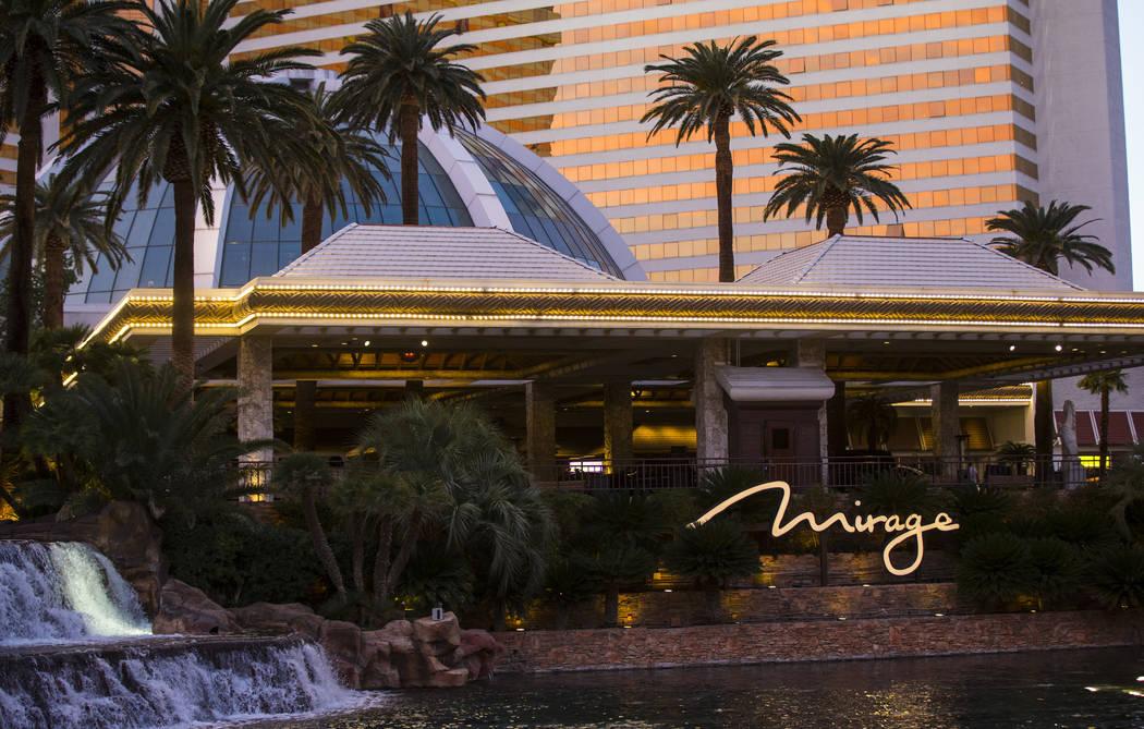 La entrada para automóviles en The Mirage en Las Vegas el sábado, 3 de febrero de 2018. Chase Stevens Las Vegas Review-Journal @csstevensphoto