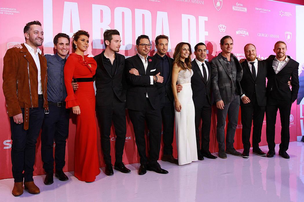 """El elenco de la cinta """"La boda de Valentina"""" desfiló por la alfombra roja previo a la premier que se realizó en un conocido centro comercial de la zona de Polanco de esta ciudad. México, 7 Feb, ..."""