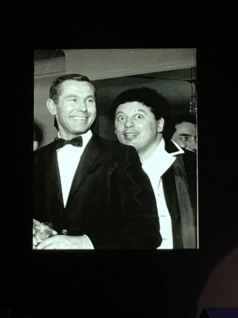Johnny Carson y Marty Allen se muestran a principios de la década de 1960 en Las Vegas. (Marty Allen)
