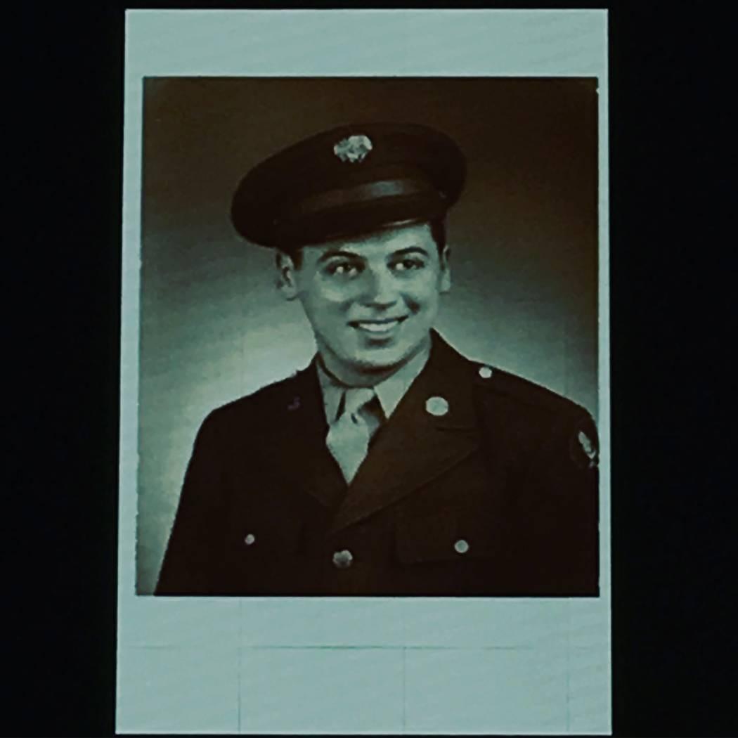 Marty Allen, que se muestra en sus días en la Fuerza Aérea en la Segunda Guerra Mundial. (Marty Allen)
