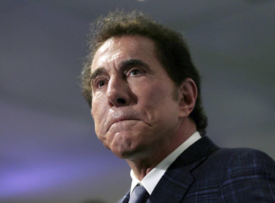 El magnate del casino: Steve Wynn es visto en una conferencia de prensa en Medford, Massachusetts, en 2016. (Charles Krupa / AP, Archivo)