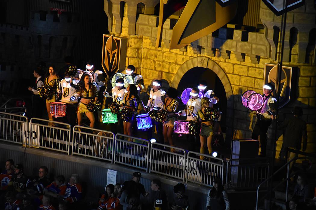 Los grupos de animación alentando a Vegas Golden Knights. 15 de febrero de 2018 en T-Mobile Arena. Foto Anthony Avellaneda / El Tiempo.